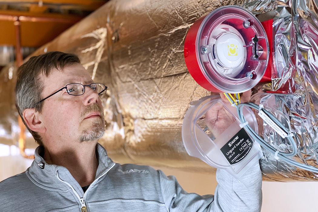 Förhindra att rök sprids i anläggningar genom att använda rökdetektorer i ventilationskanaler